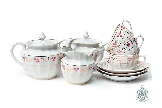 """Tea service """"Brusnik. Forest fairy tale""""."""