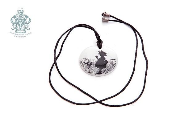 Силуэты бабочка (медальон)