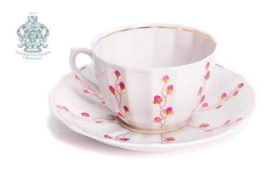 "Tea pair ""Bindweed"" (Summer Franz Gardner)."