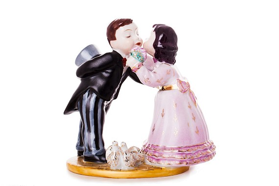 """Sculpture """"The First Kiss"""""""