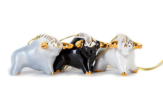 "A set of Christmas tree decorations ""Bulls"""