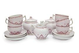 Чайный сервиз на 6 персон при 14 предметах