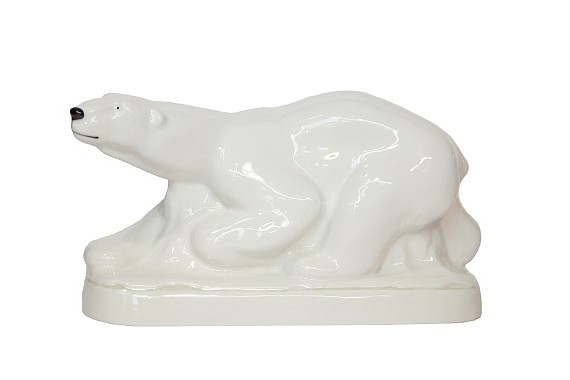 """Скульптура """"Медведь на льдине"""""""